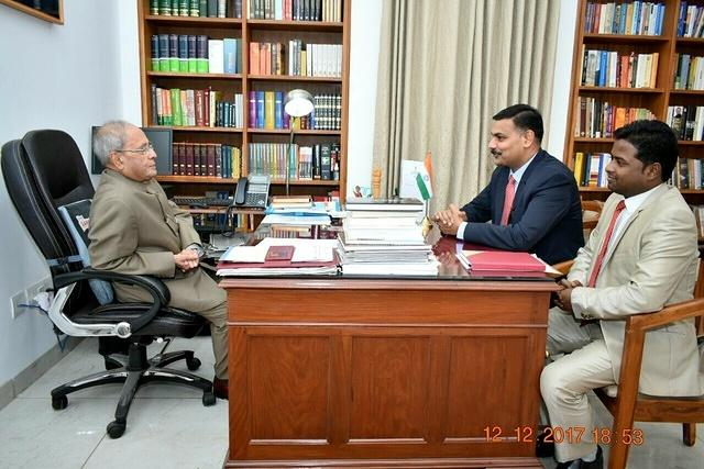 Discussion about 4D Brain Analysis with Former president of India Pranab Mukherjee (2)